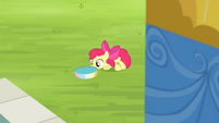 Apple Bloom pushing pan of water into position S4E20