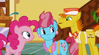 Mr and Mrs Cake are glad that Pinkie agreed on the job S2E24