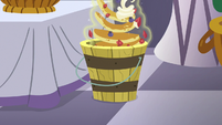 Pancakes being thrown into the trash S7E10