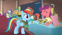 Rainbow buying a Daring Do figurine S6E13