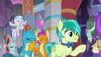 Sandbar and Yona's friends hold in laughter S9E7