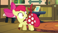 Apple Bloom suddenly carrying a bag S5E4.png