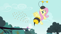 Fluttershy dressed as a bee S4E16