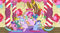 Pinkie Pie blasting the yovidaphone S9E20