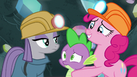 Pinkie Pie brings Spike up to Maud S7E4