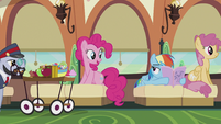 Pinkie asks Rainbow what she's reading S5E8