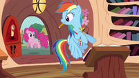 Rainbow looking at Pinkie outside S4E10