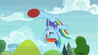 Rainbow reverse-bucks the buckball S8E17
