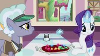 Rarity looking over to her left S9E19
