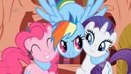 S01E07 Rainbow zachęca przyjaciółki