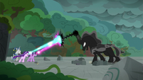 Starlight and Twilight clash with Pony of Shadows S7E26