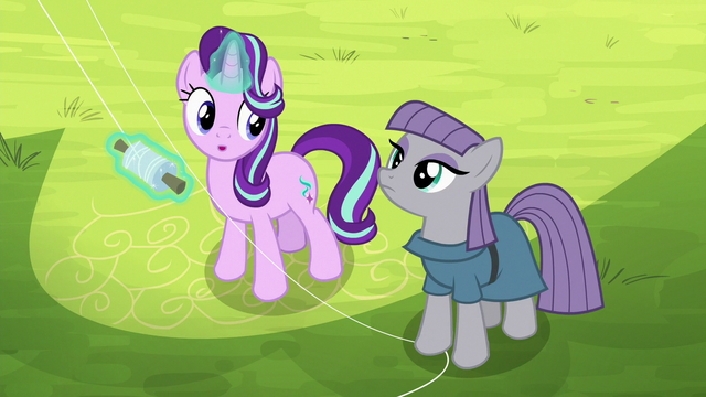 File:Starlight notices Maud next to her S7E4.png