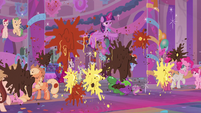 Twilight shields others from flying food S9E7
