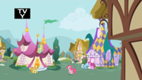 201px-Pinkie Pie hopping and humming S1E05