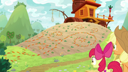 AJ and Apple Bloom see patterns made of carrots S9E10