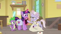 Dusty gives the book back to Twilight S9E5