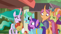 Mistmane saying goodbye to her friends S7E16