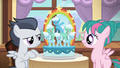 Pink camper filly makes a fancy cake S7E21.png