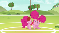 Pinkie bumps another ball with her rump S6E18