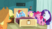 Rainbow Dash being laughed at for not reading S2E16