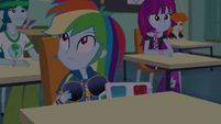 Rainbow Dash looking at the clock EGDS22