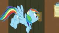 Rainbow Dash unlocks the escape room door S7E2