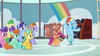 Rainbow kicks Scootaloo out of her class S8E12
