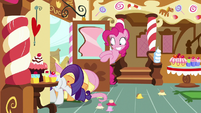 Rarity, Fluttershy, and AJ get stuck in the door S8E2