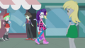 Rarity passes by Canterlot High students EG2.png
