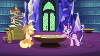 Starlight Glimmer points to a photo S6E21