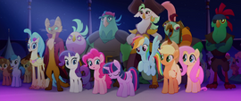 Twilight Sparkle bowing to other princesses MLPTM