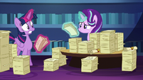 Twilight Sparkle looking spooked S6E1