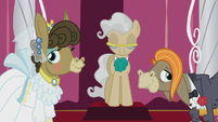 Cranky Doodle and Matilda at the altar S5E9