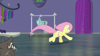 Fluttershy running to the back room S8E4
