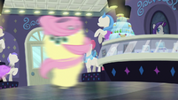 Fluttershy spinning around S8E4