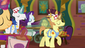 Interior decorator ponies start remodeling S6E12.png