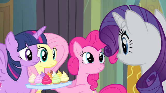 """File:Pinkie Pie """"only sixty-five blocks away"""" S4E06.png"""