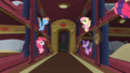 Ponies chatting S01E21.png