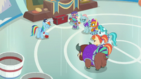 Rainbow being dismissive of cheerleading S9E15