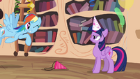 Rainbow winking to Twilight S4E04