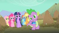 Spike gem out of pocket S01E19
