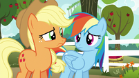 AJ and Rainbow look at each other confused S6E18