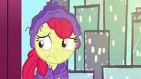 Apple Bloom looking worried at the audience S6E4
