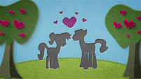 Felt cutout of two ponies falling in love BFHHS1