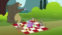Fluttershy's critter friend's picnic S3E3