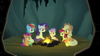 Pony sisters sit around the campfire again S7E16