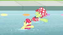 S04E20 Babcia Smith i Apple Bloom oraz ich występ w zawodach