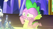 Slight close-up on freaked out Spike S7E15