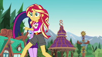 Sunset Shimmer running toward the dock EG4