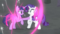 Twilight teleports in front of Rarity S5E1